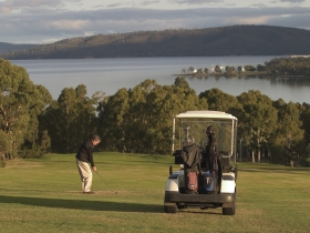 North West Bay Golf Club - QLD Tourism
