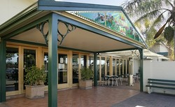 Twin Willows Hotel - QLD Tourism