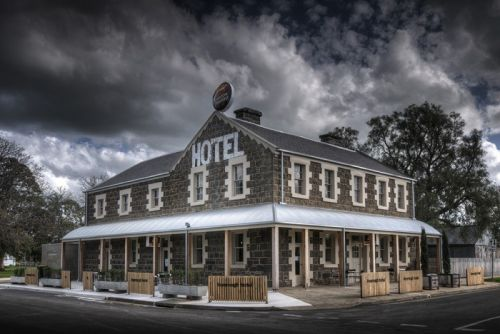 Inverleigh Hotel - QLD Tourism