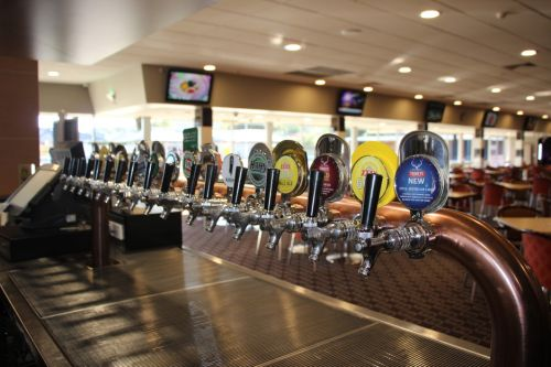 Ettalong Memorial Bowling Club - QLD Tourism