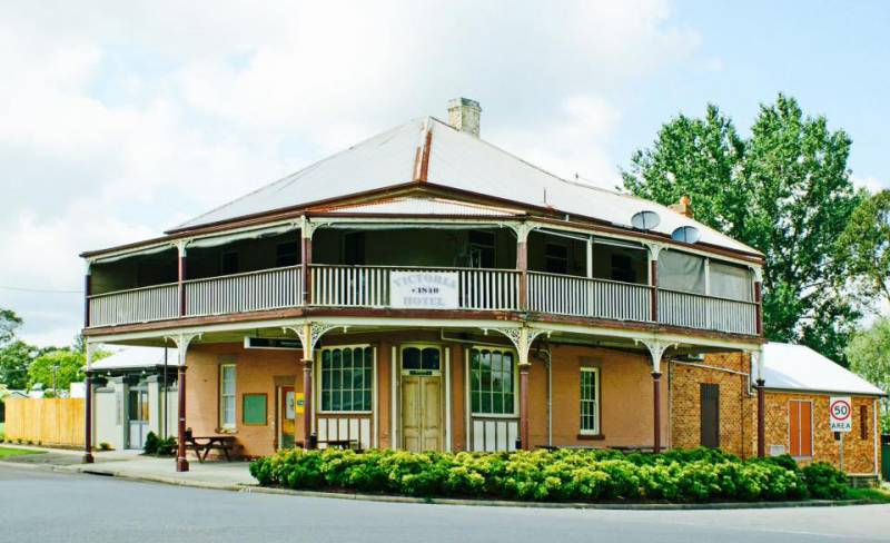 The Victoria Hotel Hinton - QLD Tourism