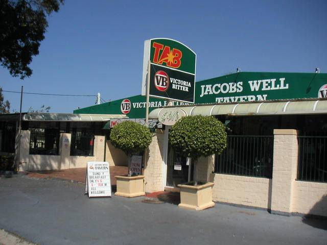 Jacobs Well Bayside Tavern - QLD Tourism