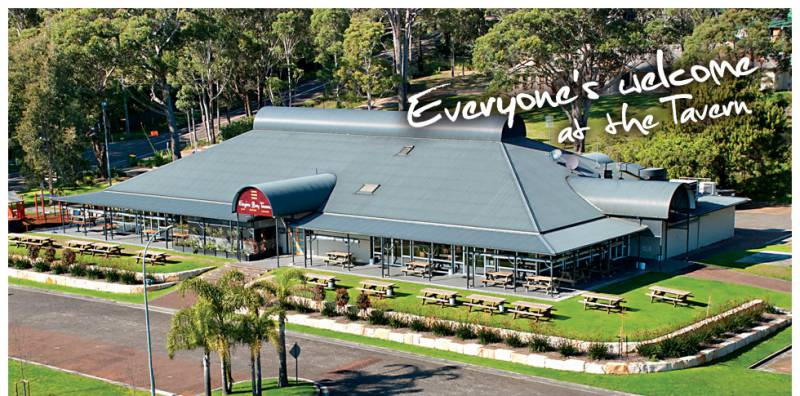 Empire Bay Tavern - QLD Tourism