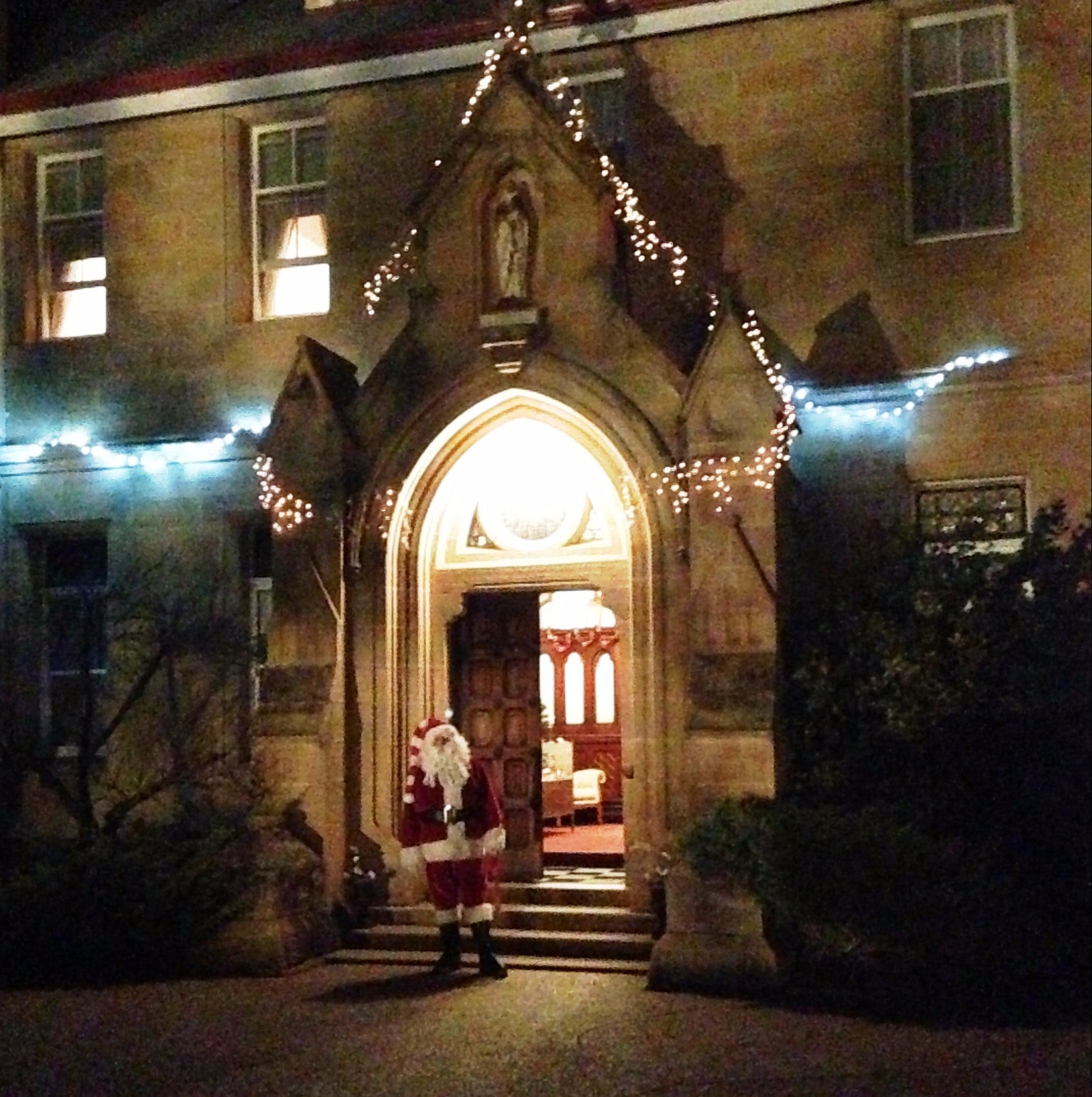 Abbey of the Roses - Christmas in July - QLD Tourism