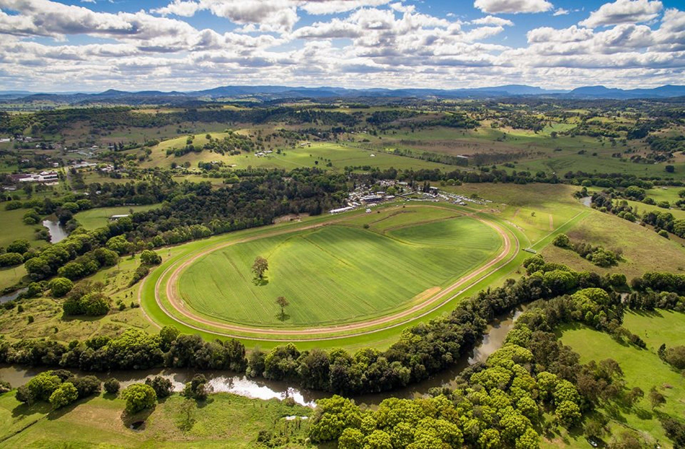 The OBrien Electrical and Plumbing Lismore Cup - QLD Tourism