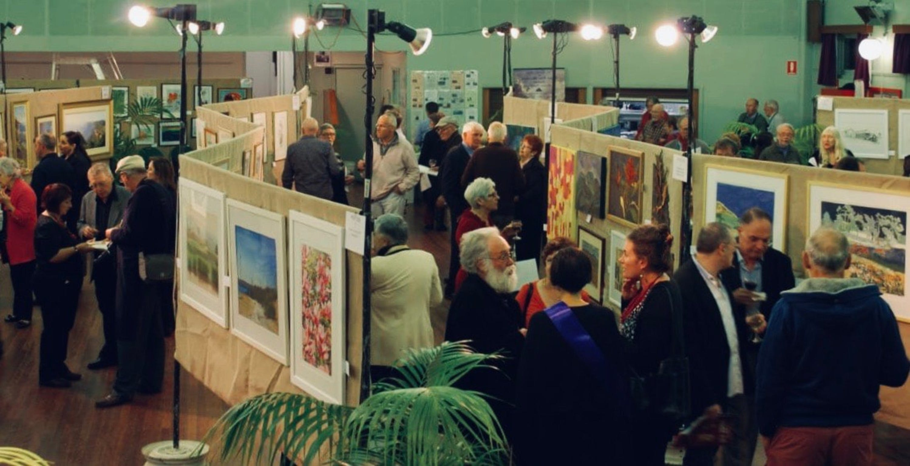 Blackheath Rhododendron Art Show - QLD Tourism