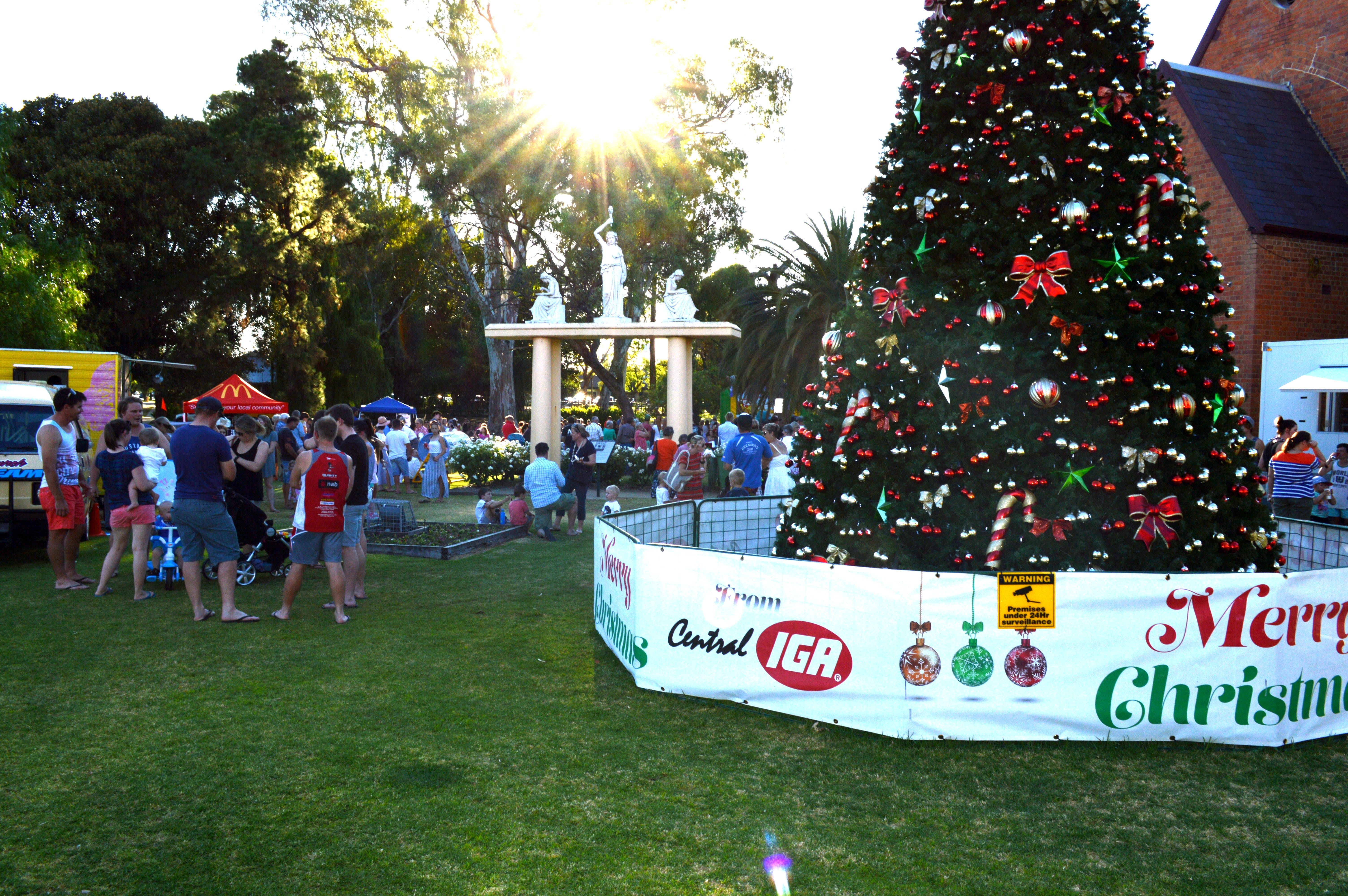Community Christmas Party and Carols by Candlelight - QLD Tourism
