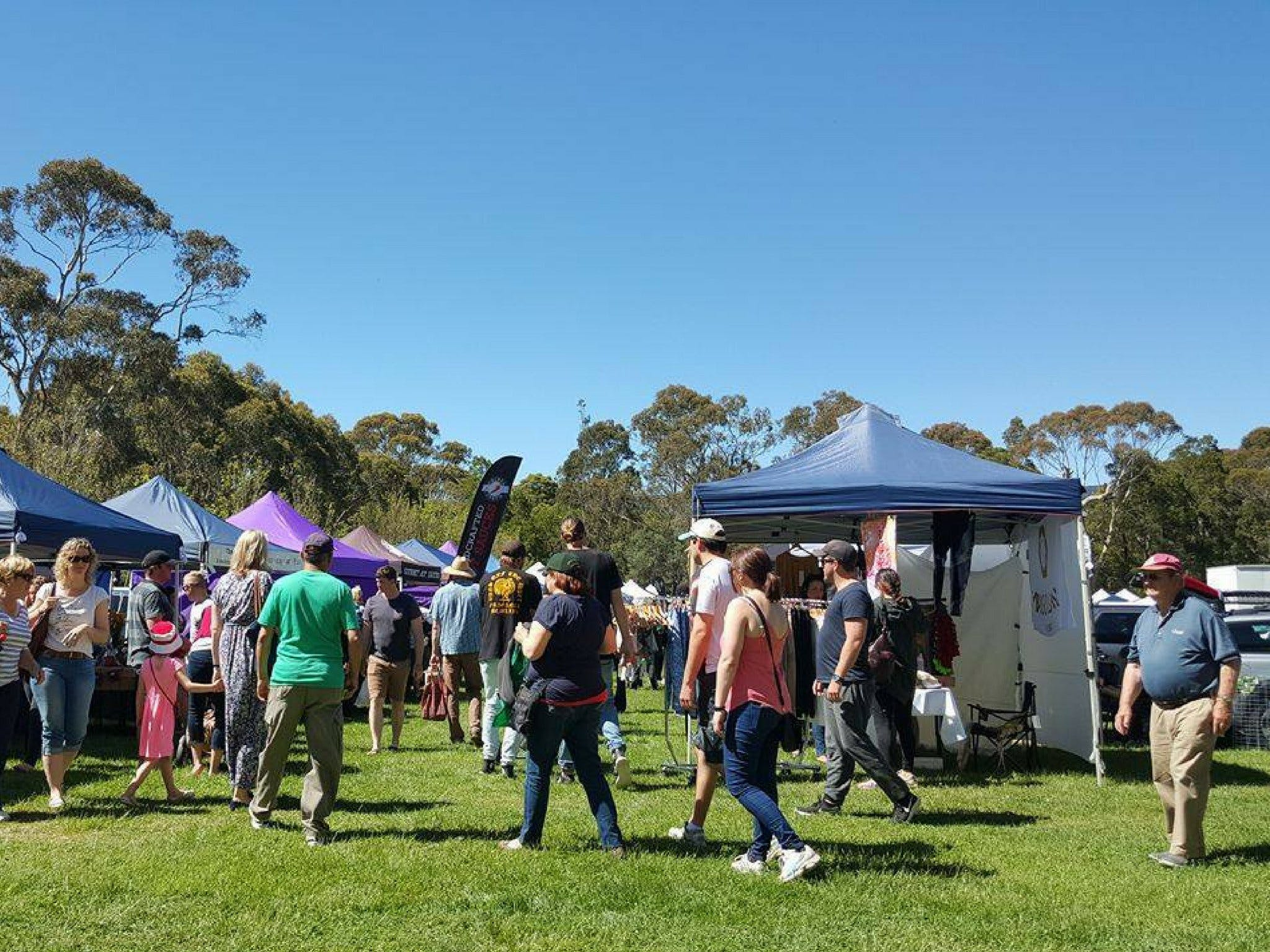 Hanging Rock Makers Market - QLD Tourism