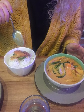 Eatzy Thai Restaurant - QLD Tourism