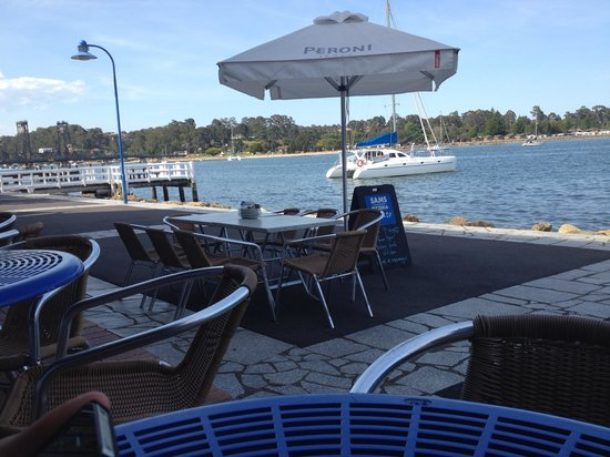 Sam's Pizzeria on the waterfront - QLD Tourism