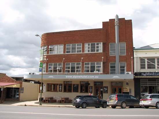The Alpine Hotel Restaurant Cooma - QLD Tourism