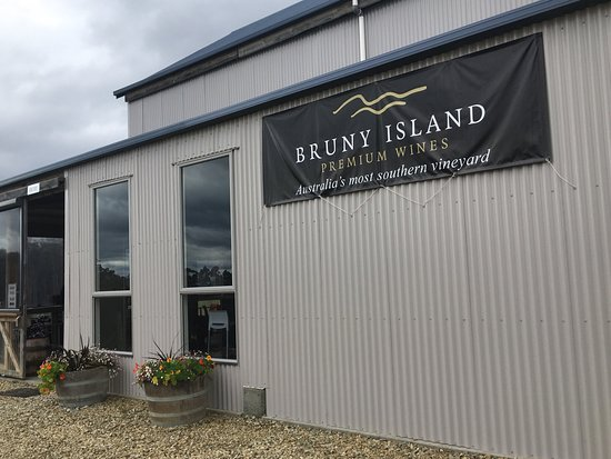 Bruny Island Wines Grill - QLD Tourism