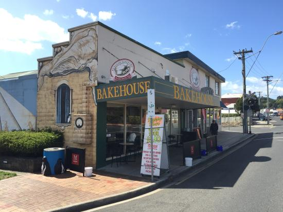 Penguin Country Bakehouse - QLD Tourism