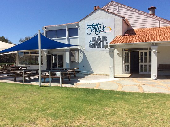Jettys Bar and Grill - QLD Tourism