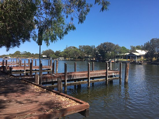 Pelicans Cafe on the Murray - QLD Tourism