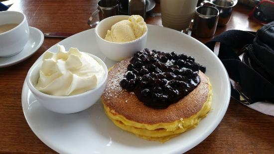 Pancakes at the Port - QLD Tourism
