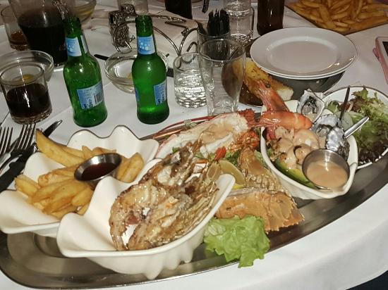 Ashmore Seafood and Steakhouse - QLD Tourism