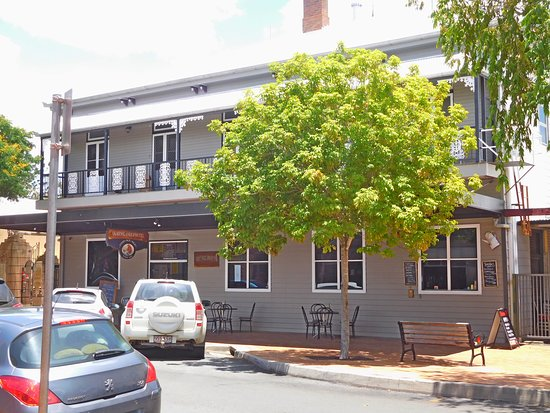 Queenslander Hotel - QLD Tourism