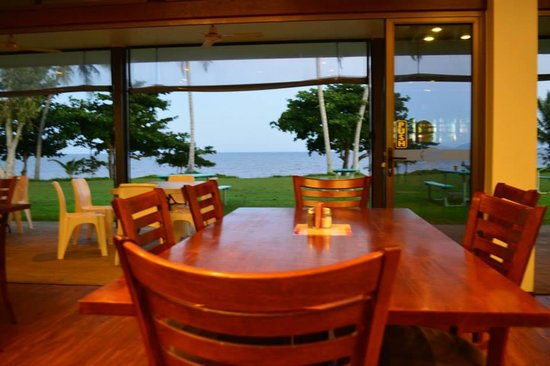 King Reef Hotel Restaurant - QLD Tourism