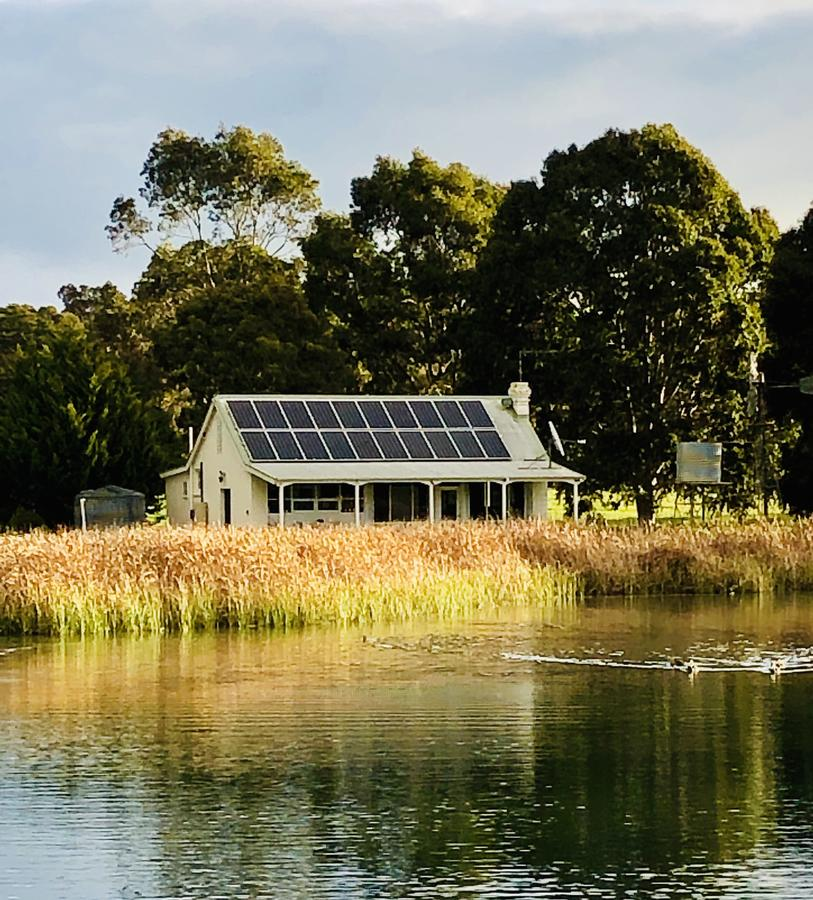 The Lake House Retreat - QLD Tourism