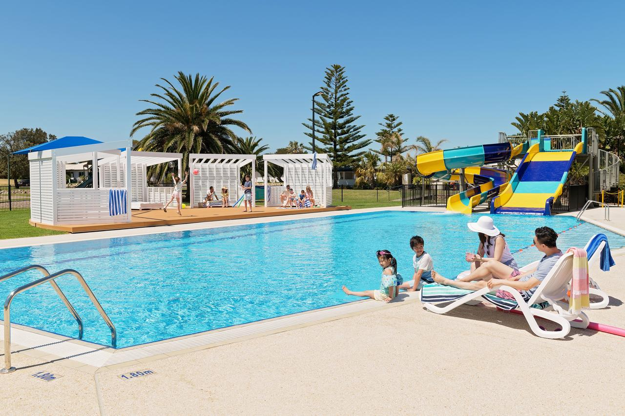 West Beach Parks Resort - QLD Tourism