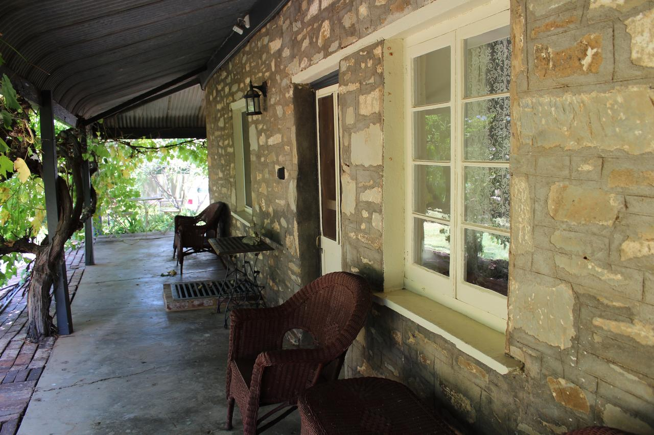 Hillside Cottage - QLD Tourism