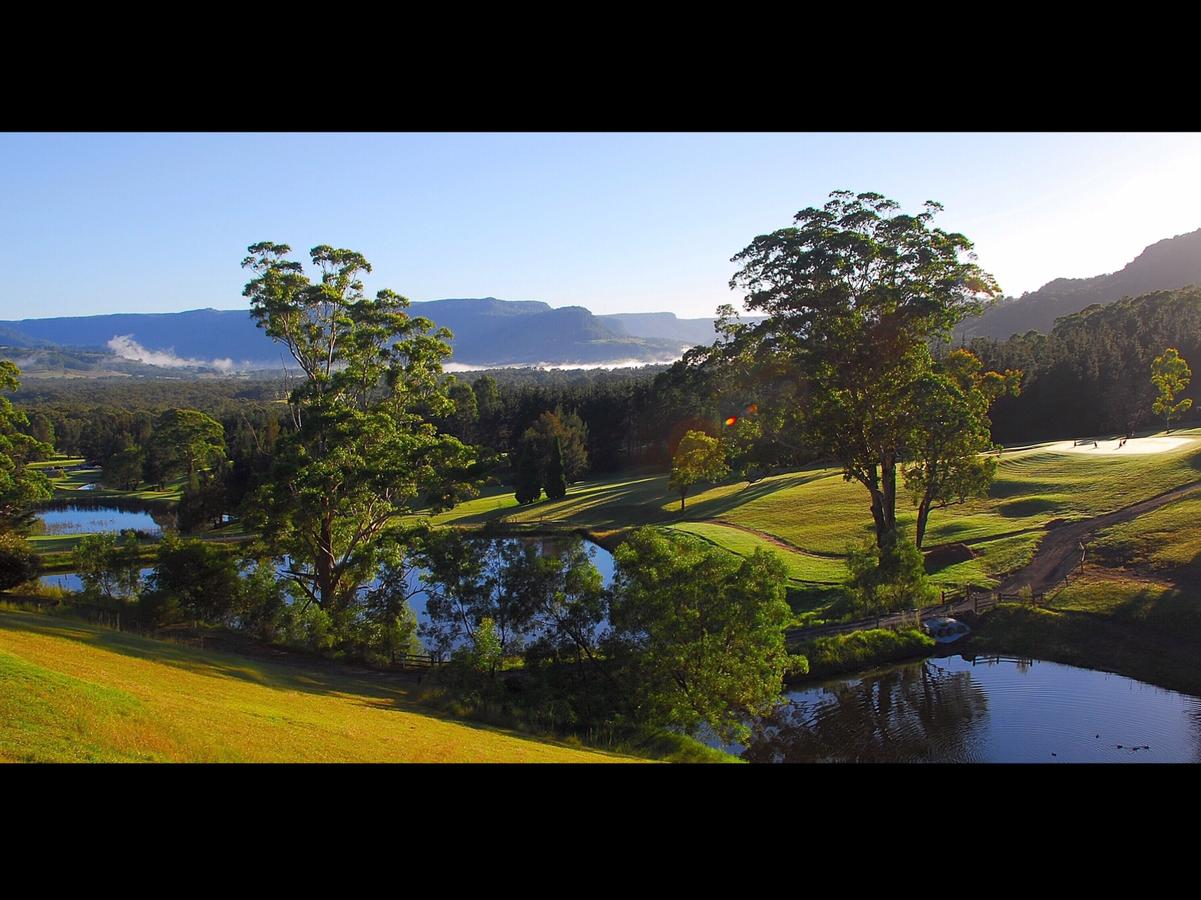 SkyView Villa - QLD Tourism