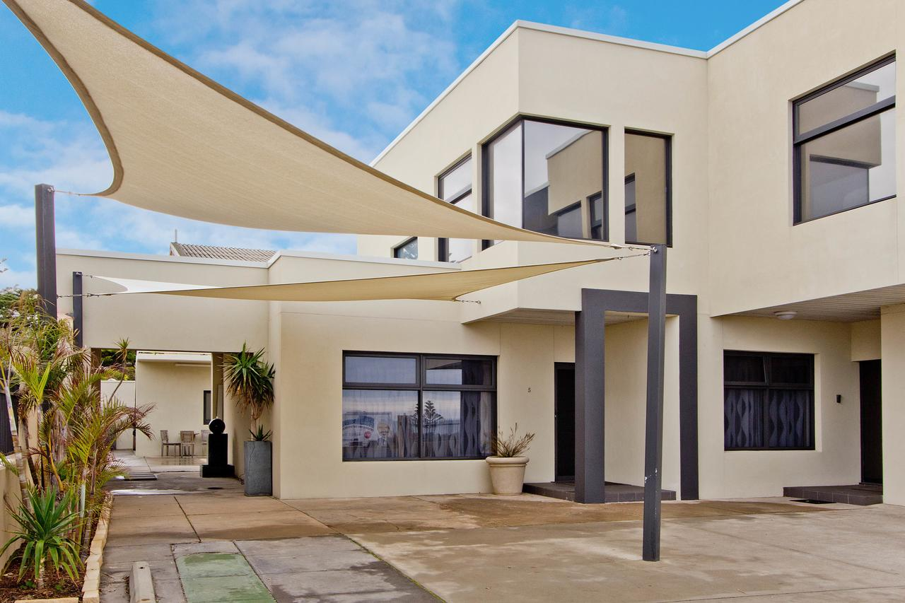 Atlantic West Beach Apartments - QLD Tourism