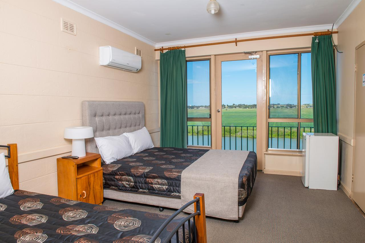 Tailem Bend Riverside Hotel - QLD Tourism