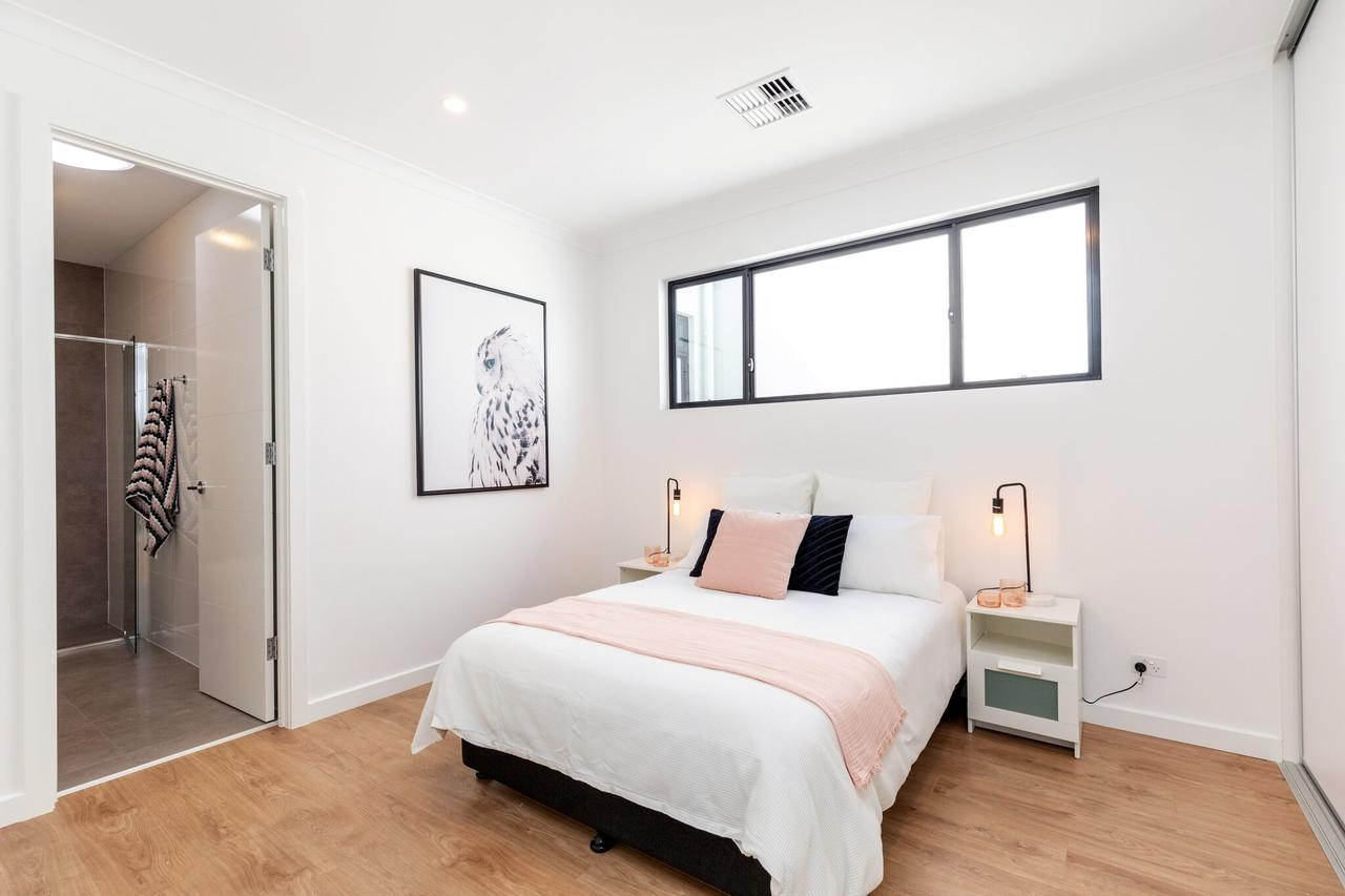Brand new affordable luxury 3 bedroom 3 bathrooms house close to Adelaide city Chinatown beach Adelaide Airport - QLD Tourism