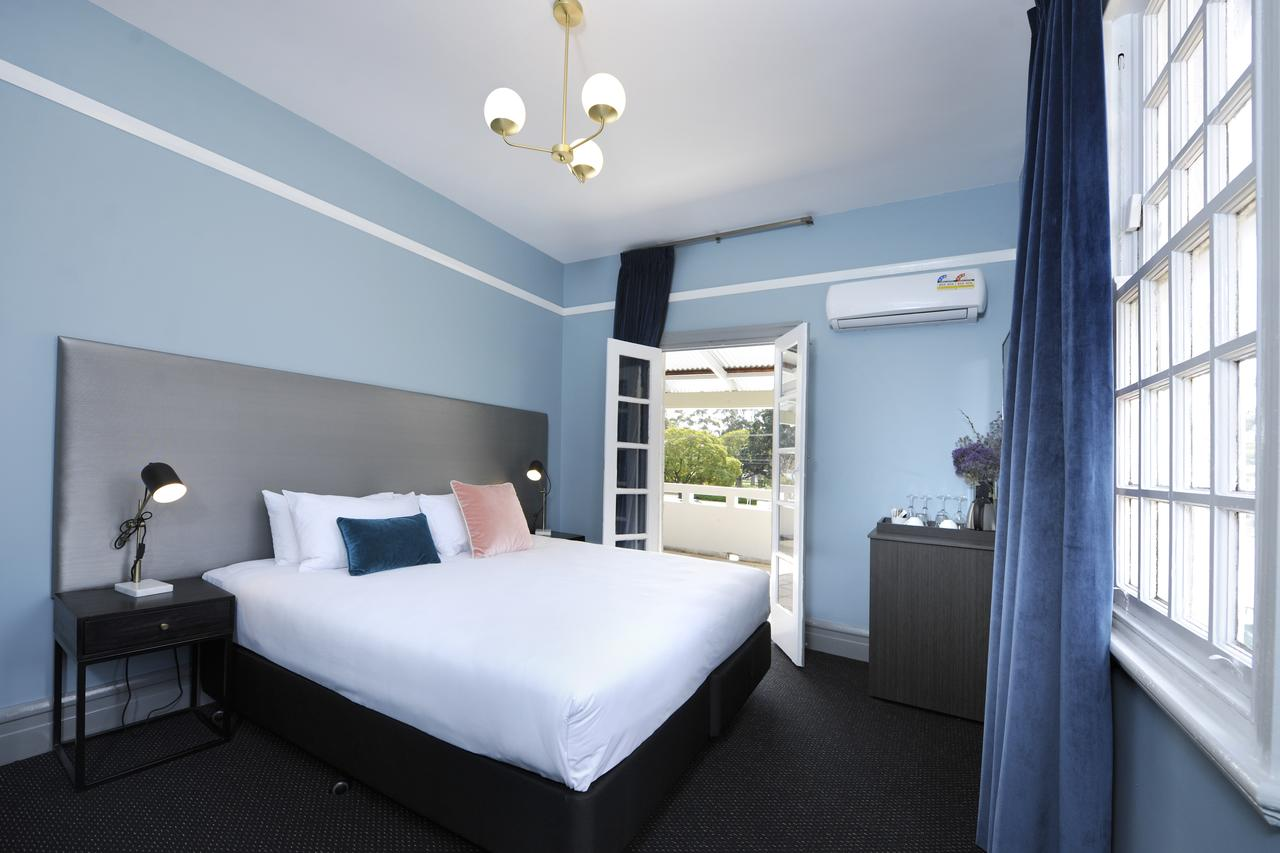 The Stirling Arms Hotel - QLD Tourism