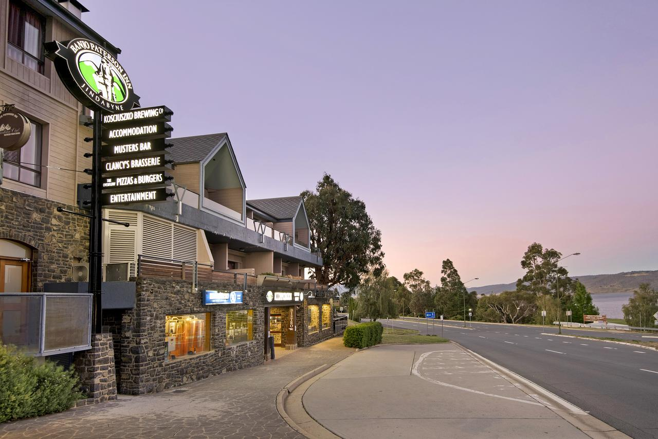 Banjo Paterson Inn - QLD Tourism
