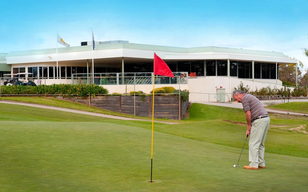 cluBarham Golf Resort - QLD Tourism