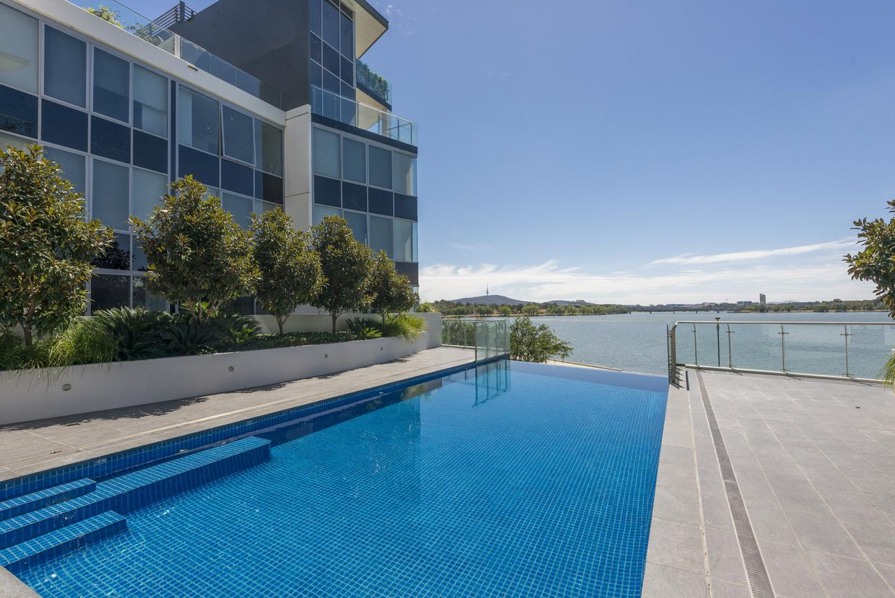 Accommodate Canberra - Lakefront - QLD Tourism