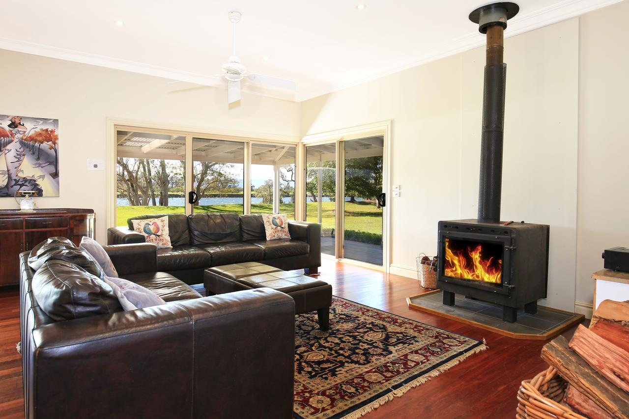 Terara Riverside Retreat - QLD Tourism