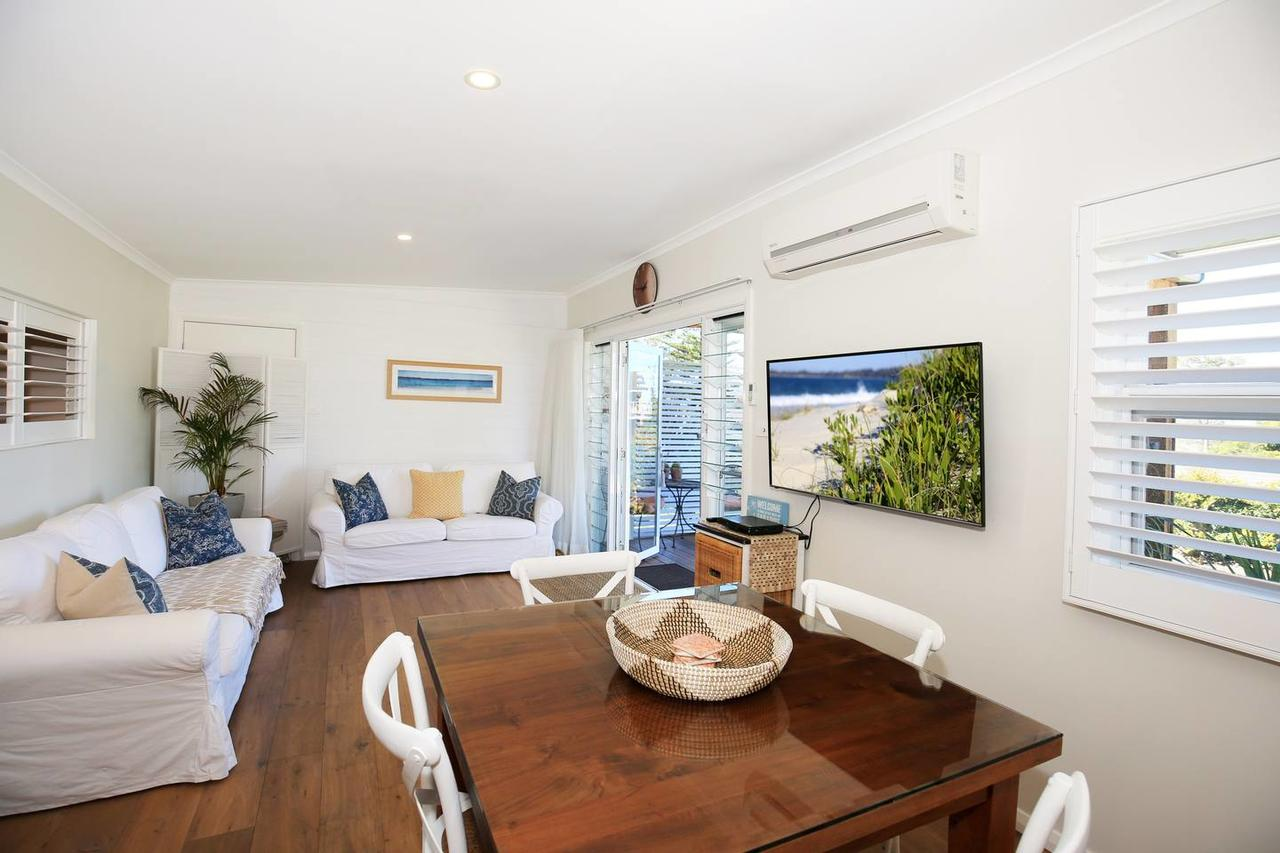 Jervis Bay Beach Shack - Pet Friendly - QLD Tourism