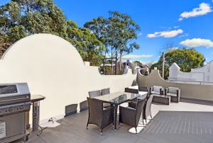 Glebe Self-Contained Modern One-Bedroom Apartments - QLD Tourism
