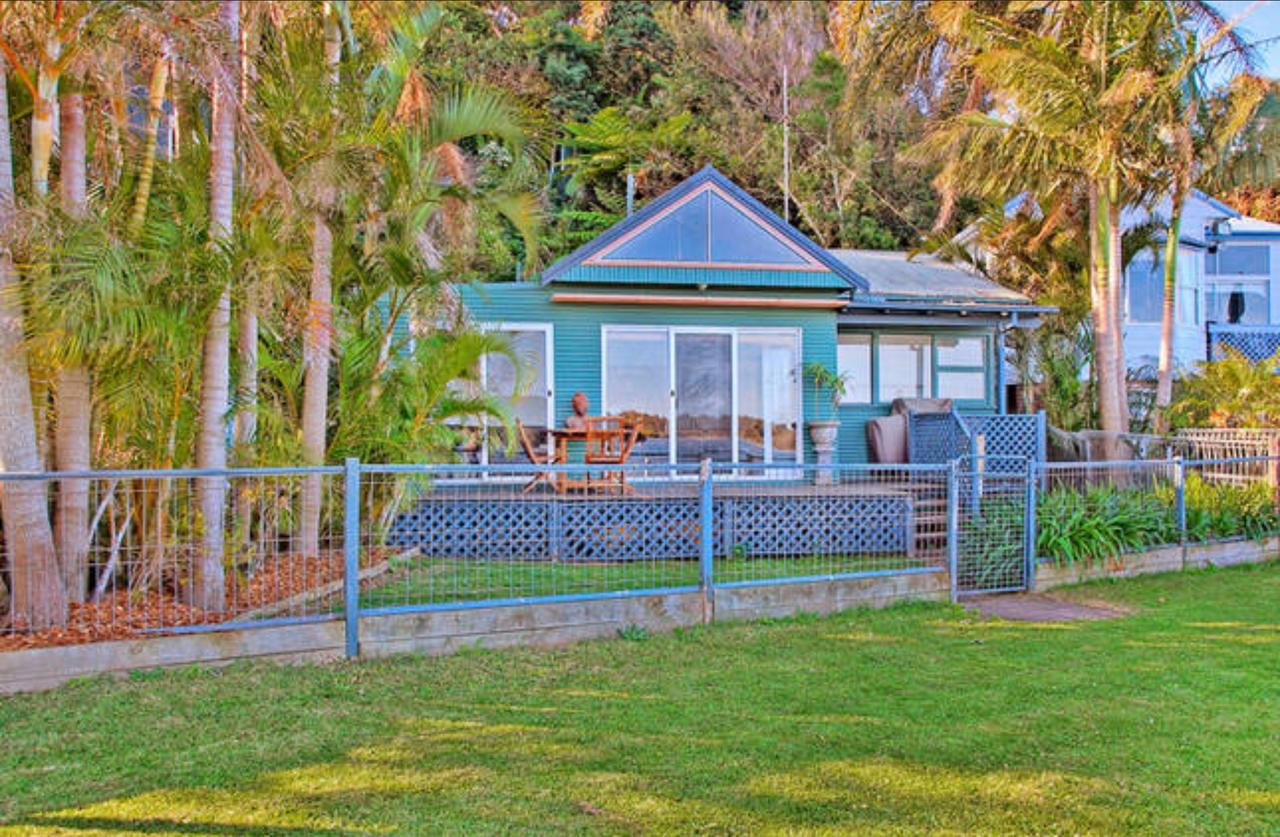 Swan Bay Hideaway - QLD Tourism