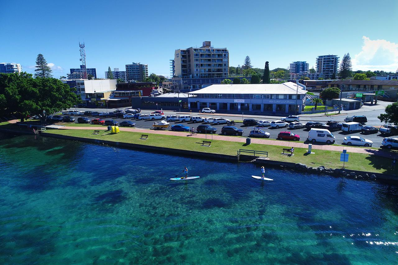 Lakes and Ocean Hotel - QLD Tourism