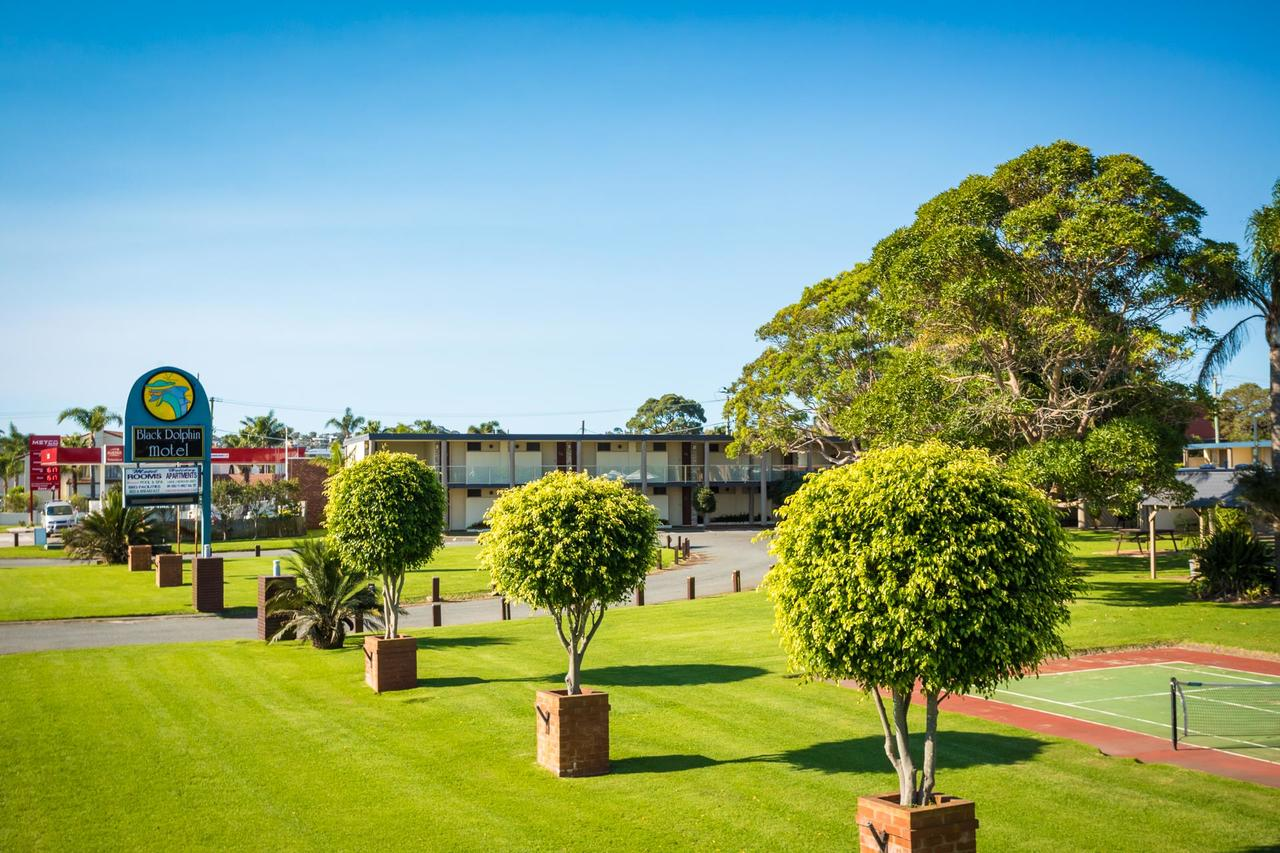Black Dolphin Resort Motel  Apartments - QLD Tourism