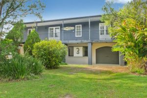 BONNY BEACH HOUSE - Holiday Accomodation with Pool - QLD Tourism