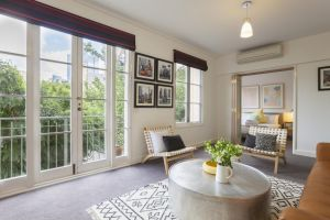 Boutique Stays - Wellington Mews Apartment in East Melbourne - QLD Tourism