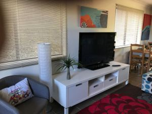 Central Gold Coast 3 Double Bedroom Apartment - QLD Tourism
