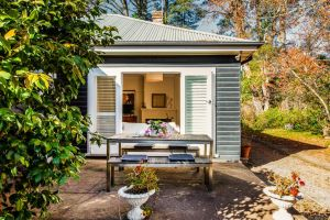 Charming Mountain Cottage - QLD Tourism