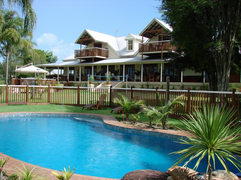 Clarence River Bed  Breakfast - QLD Tourism