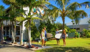 Coolangatta YHA Backpackers - QLD Tourism
