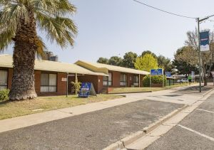 Country Roads Motor Inn - QLD Tourism