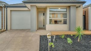 Daisy Villa - close to Mel Airport  Hume Highway -Comfort - QLD Tourism