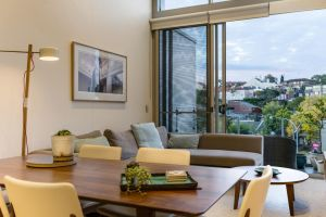 Explore Sydney from a peaceful modern apartment - QLD Tourism