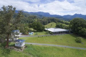Hillcrest Mountain View Retreat - QLD Tourism